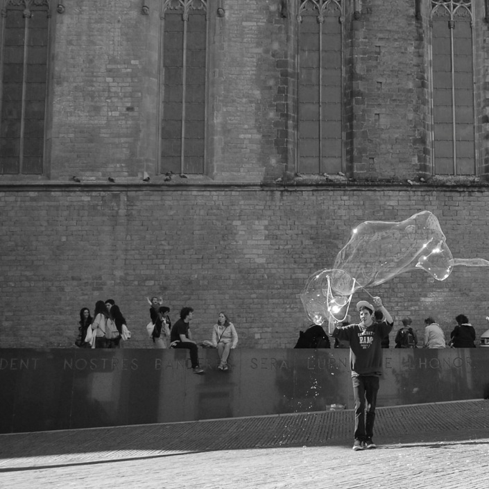 Barcelona bubbles on the street